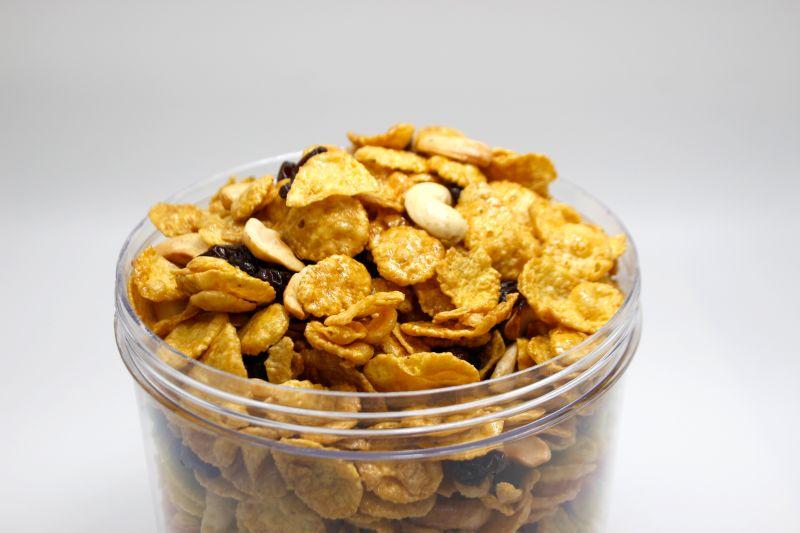 Sweetchew Caramel Cornflakes lifestyle